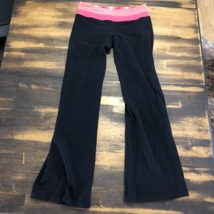 Sz 6 Lululemon reversible boot cut pants Guc
